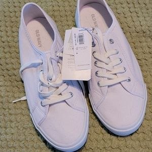 Old Navy white tennis shoes NWT